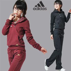 运动装女款阿迪达斯搭配图片