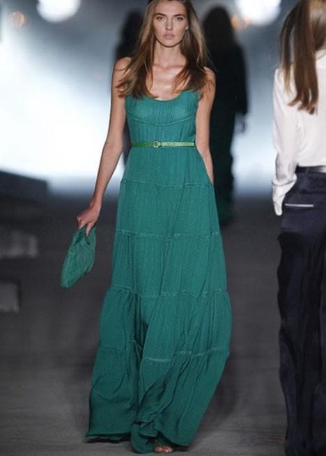 蓝绿色礼服裙搭配