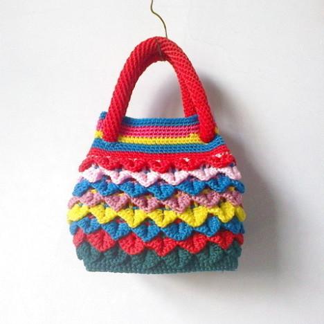 diy手工毛线编织空芯线2012新款花色鱼鳞女手提包包-用毛线编织出美