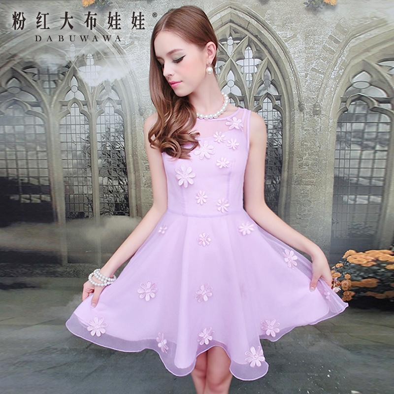 连衣裙紫色纱搭配