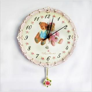 创意时尚客厅挂钟表搭配图片