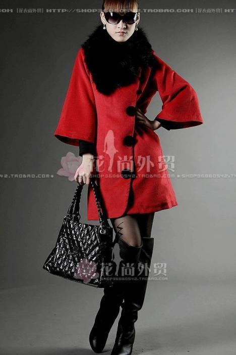 红色羊绒大衣搭配图片