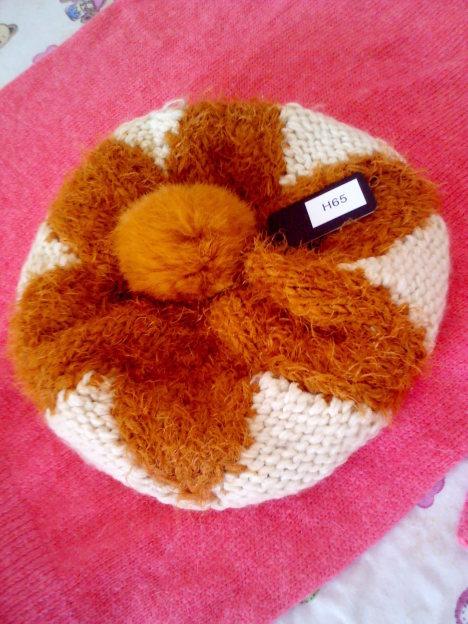 兔毛球手工编织帽