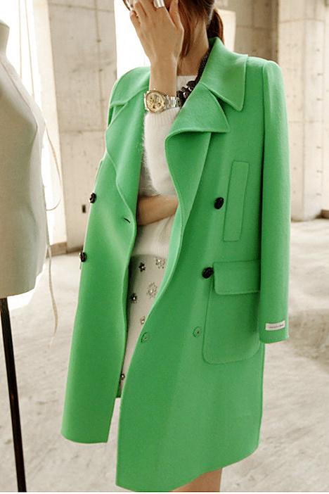 超美绿色呢子大衣-来自蘑菇街优店