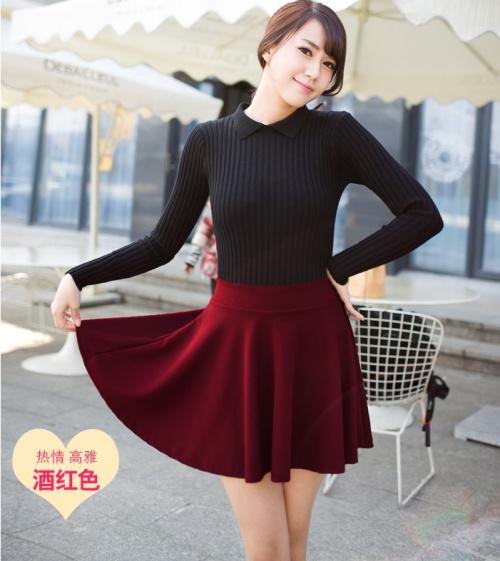 秋季:上衣搭配长袖衬衫,打底衫,长袖t恤,针织衫,毛衣均可,下装摆裙