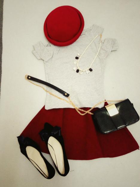 深红色裙子搭配图片_深红色裙子如何搭配