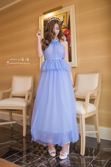 淡蓝色的裙子好看不-皮肤黑的女孩穿浅蓝色连衣裙好看
