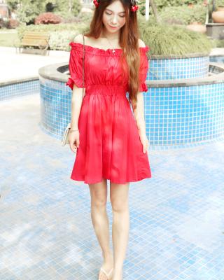 夏天喜欢这种鲜艳的颜色~搭配了可爱的樱桃发夹质量