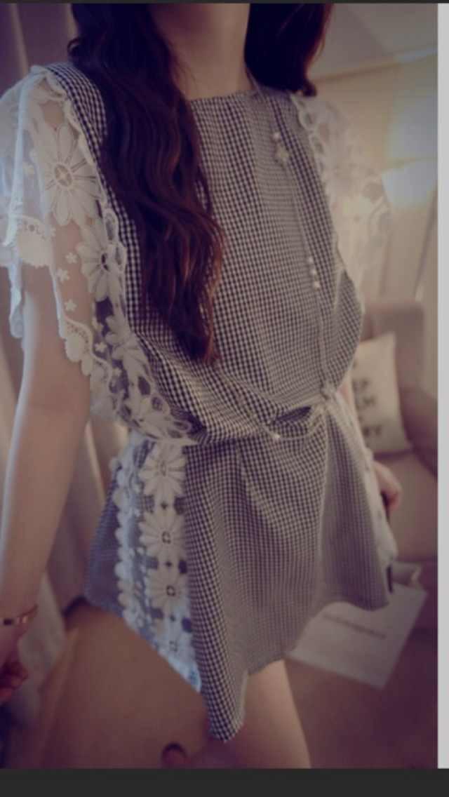 小格子蕾丝花边背后蝴蝶结背心裙图片