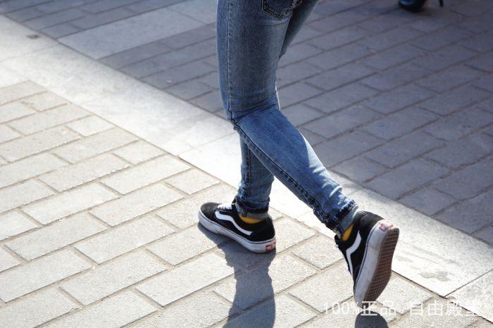 权志龙同款黑色低帮休闲板鞋
