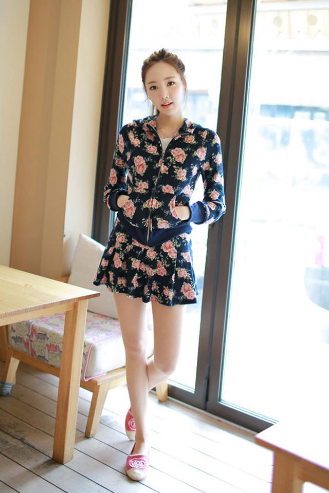 【玫瑰花朵开衫+短裙休闲套装】-衣服-服饰鞋包