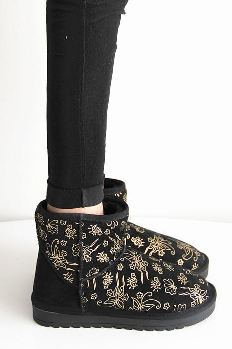 蝴蝶花纹真皮雪地靴