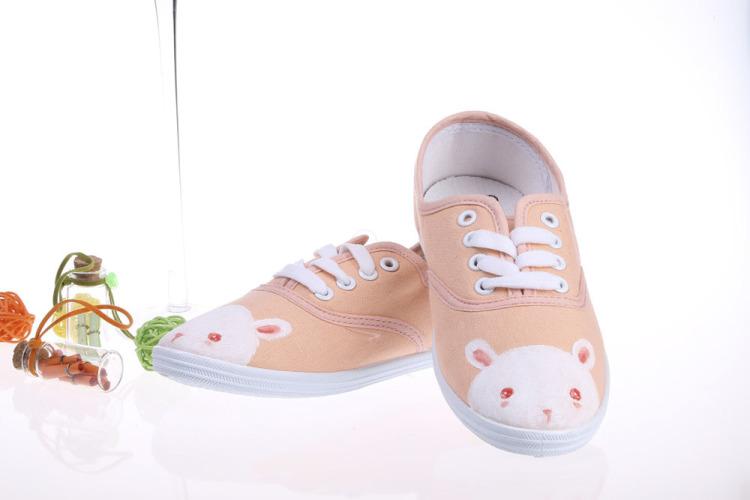 可爱的手绘兔子 手绘鞋