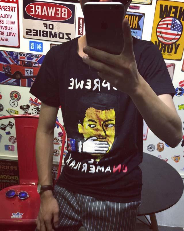【男生搞怪印花捂嘴头像短袖t恤】-男装-t恤