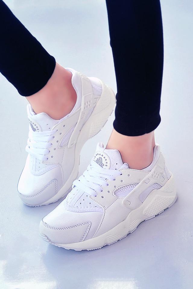 耐克华莱士纯白色运动鞋