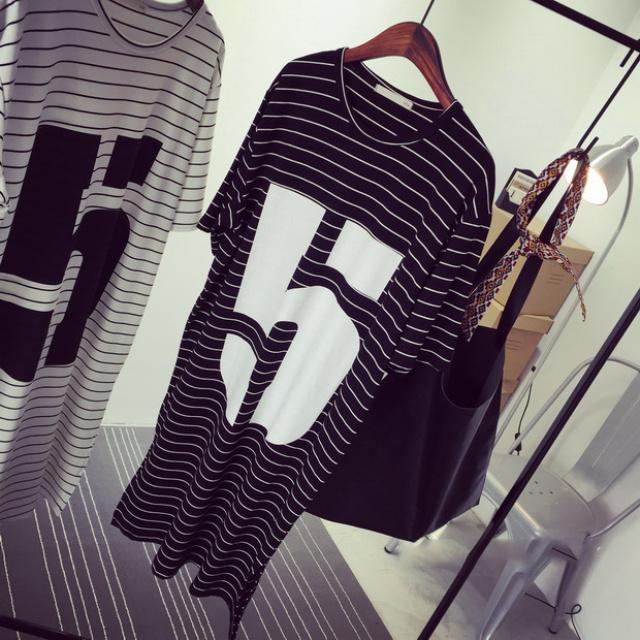 【字母黑白条纹连衣裙】-衣服-裙子