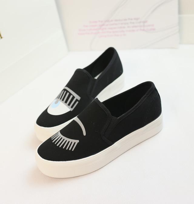 夏季小可爱手绘小白鞋