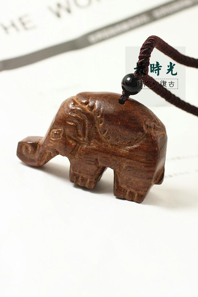 手工雕刻木头小熊