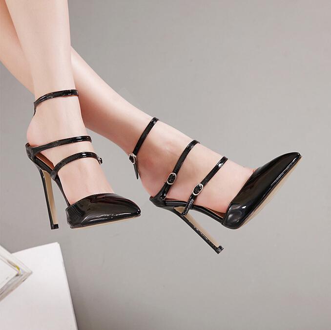 欧美高跟凉鞋美女图片