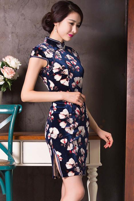 时尚印花 金丝绒修身旗袍