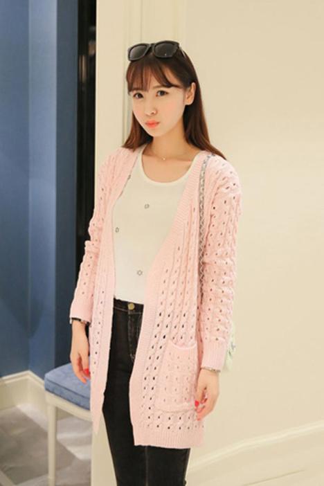 甜美麻花编织镂空针织衫