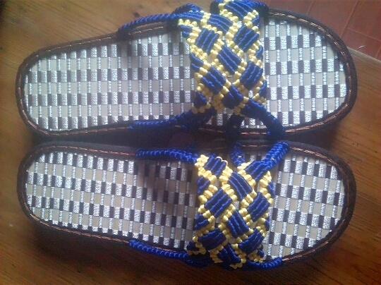 中国结编织格子旗男士凉拖鞋