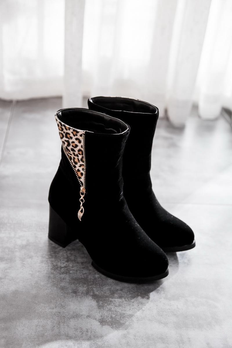 【《洛丽塔》韩版粗高跟短筒靴】-鞋子-靴子_女鞋_鞋