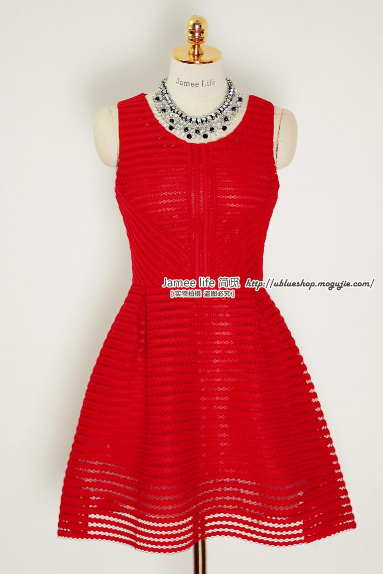 高腰连衣裙,秋装新款,镂空条纹太空棉面料,挺阔有型,圆领无袖高腰版图片