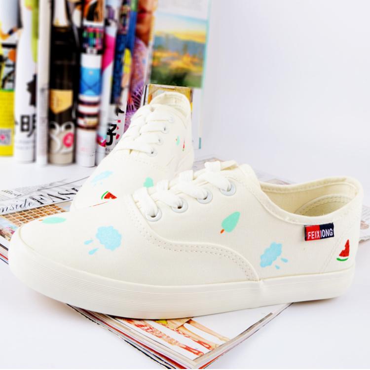 新款学生手绘小白鞋帆布鞋平底清新可爱西瓜云朵女鞋帆布鞋