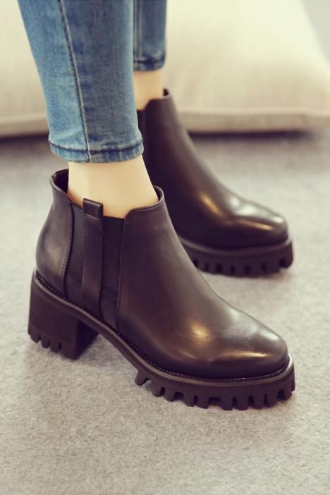短靴,高跟短靴,粗跟鞋,圆头鞋,韩范,轻熟风,防水台