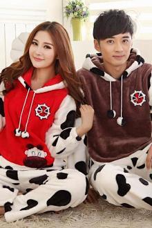 Đồ ngủ đôi thu đông bằng vải flane in họa tiết bò sữa