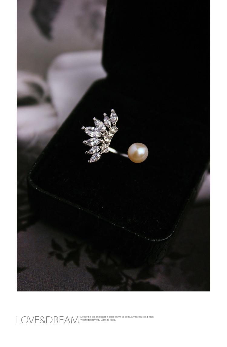 个性时尚精致钻石珍珠戒指