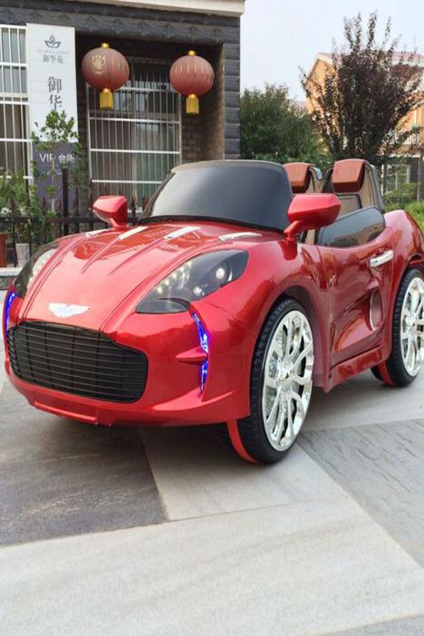 儿童遥控车方向盘 摇控汽车 充电电动车 玩具四轮双驱动
