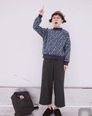 宽版七分裤搭配图片_宽版七分裤如何搭配