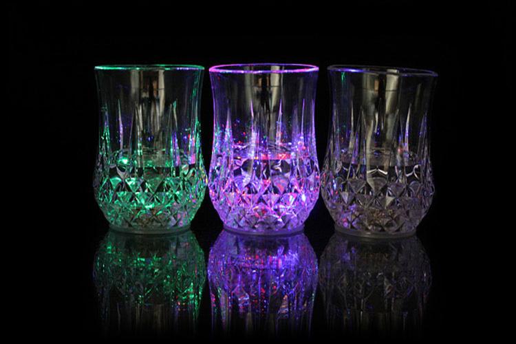 科技小制作环保纸杯灯