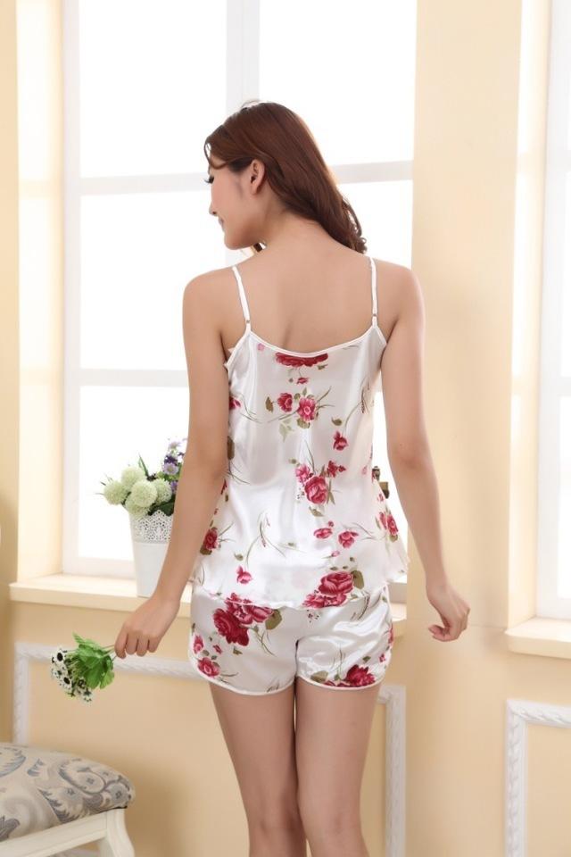 可爱真丝性感少女玫瑰吊带睡衣套装