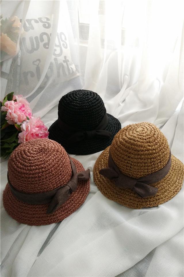 帽子是纸草和棉线手工编织起来的
