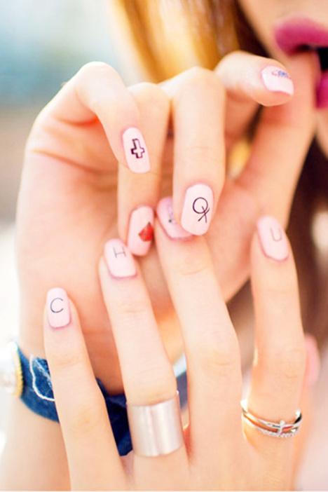 【韩国新款可爱笑脸米奇字母指甲贴纸多彩多款美甲贴