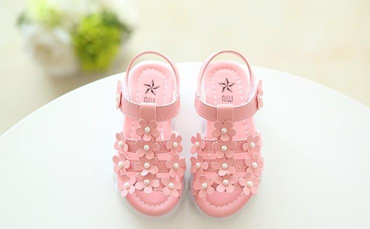 2016夏季新款韩版女童鞋凉鞋公主鞋小孩小花带灯宝宝鞋儿童沙